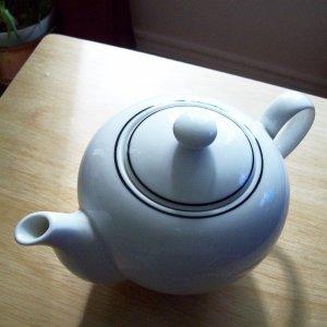 Monno Bangladesh White Teapot Apricot Street Design Tea Pot
