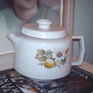 Blue Mountain Pottery Country Charm Tea Pot Canadian home decor teapot