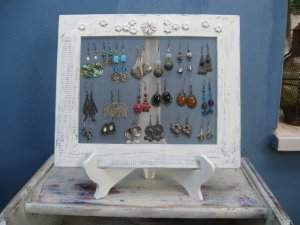 Shabby Chic Earrings Holder - Its All In The FRAME