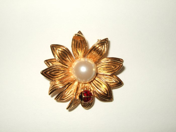 Flower Pin with lady Bug Pin with faux pearl in the middle