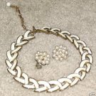 Vintage '80's Costume Jewelry Cream & Goldtone Necklace & Earrings
