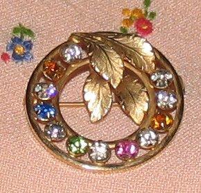 Vintage Costume Jewelry Rhinestone & Goldtone Circle Pin