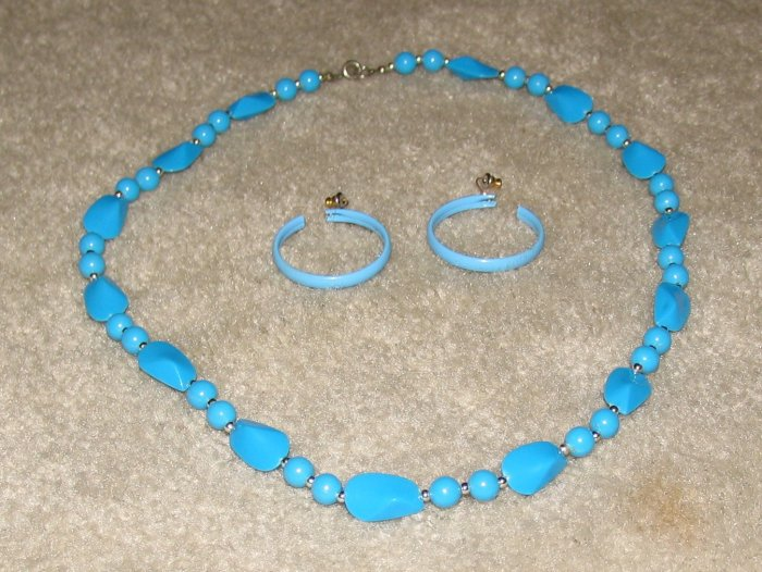 Vintage Costume Jewelry Turquoise Bead Necklace/Matching Hoop Earrings