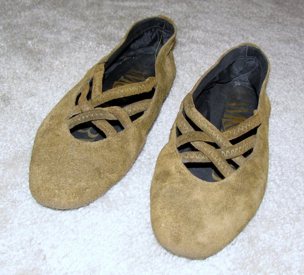 Ladies Olive Suede Sam & Libby Flats size 7M