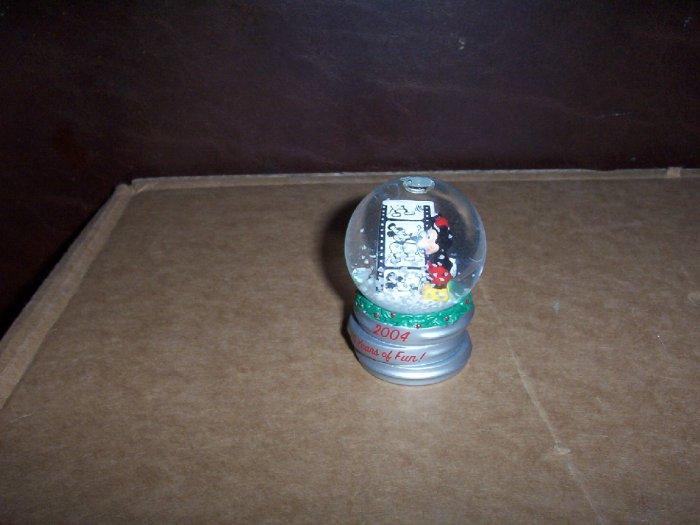 2004 Mini Mickey Mouse Snow Globe