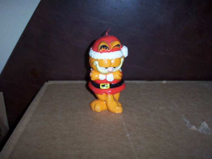 Garfield Dressed up as Santa Candle