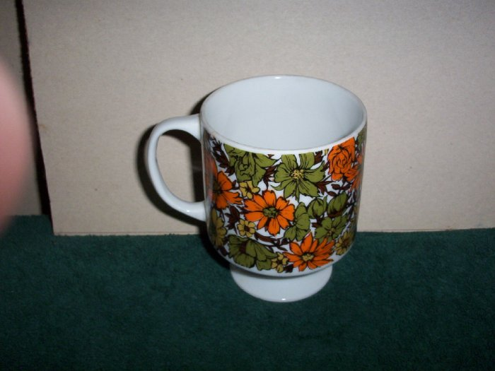 Vintage Floral Footed Mug