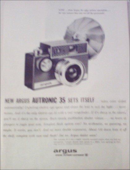 1960 Argus Autronic 35 Camera ad #1