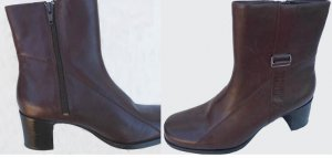 Clarks Brown Ankle Boots Leather 7.5 M Zipper 2.4 inch Heels NWOB
