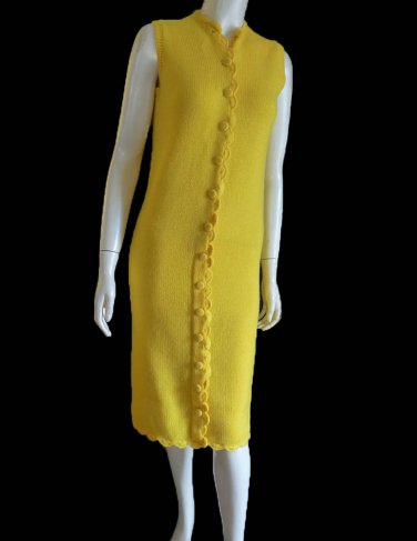 Vintage 1950s knit dress Phil Rose Sleeveless Yellow Wool Sz S Scalloped front Covered buttton