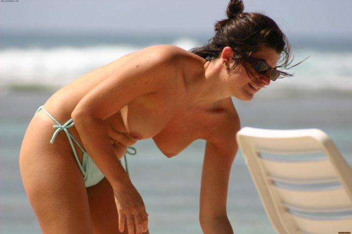 french-topless-beach-girls
