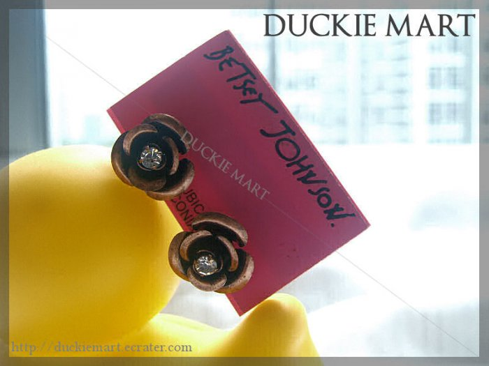 BRAND NEW Betsey Johnson Bronze Rose Stud with Crystal Centre