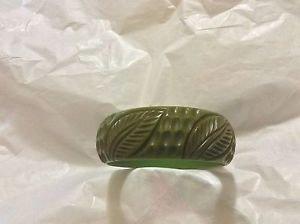 VINTAGE Green Deeply Carved Bakelite Bangle - TESTED w/ 409