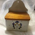 EXCELLENT CONDITION Vintage Hanging Italian Pottery Salt Cellar/Garlic Keeper