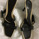 VERY GOOD CONDITION Authentic Gucci Black/Cream Slipon Mules - 9B