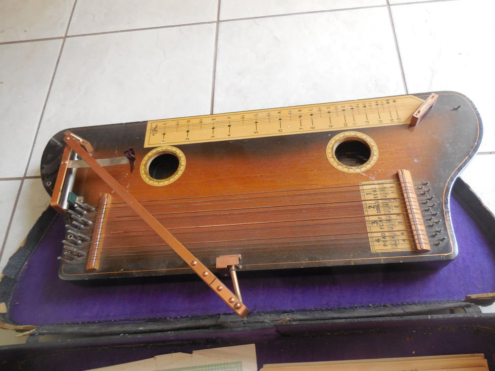 Tremoloa Harp Dulcimer
