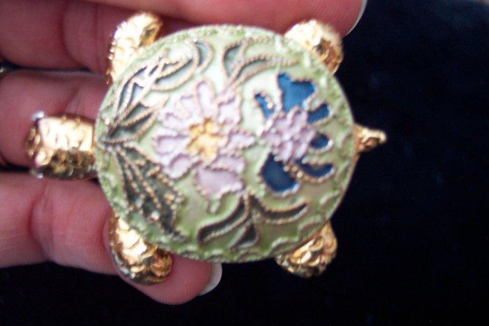 Unique Goldtone & Enamel TURTLE BROOCH Pin Costume Jewelry Vintage 1pin