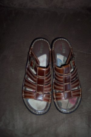 Casual Caramel Brown Eastland Leather SANDALS Slides Shoes Size 7 M locationw10