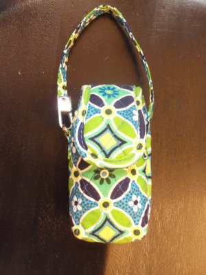 Vera Bradley Daisy Daisy Retired Cell Phone Case Green Floral Print location6