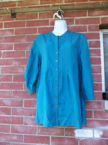 NWT TOMMY BAHAMA TURQUOIS SANDPIPER PINTUCKED BLOUSE M $138