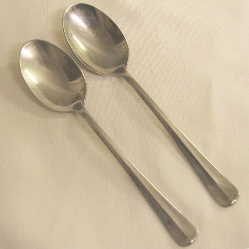 2 Place Soup Spoons Pfaltzgraff  Stainless Flatware Courtland Free Shipping