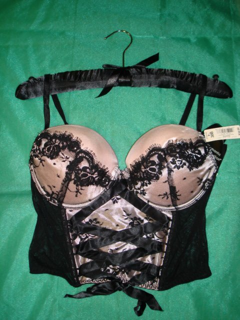 $7.99 NWT_Romantic  Sexy Lace-up Corset 1 pc Lingerie bustier. Black  Pink-38B