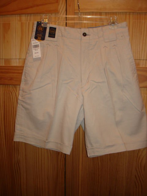 NWT-NEW RIVER SPORT MENS SHORT CASUAL SIZE 30/S KHAKI COLOR DOUBLE CUFF
