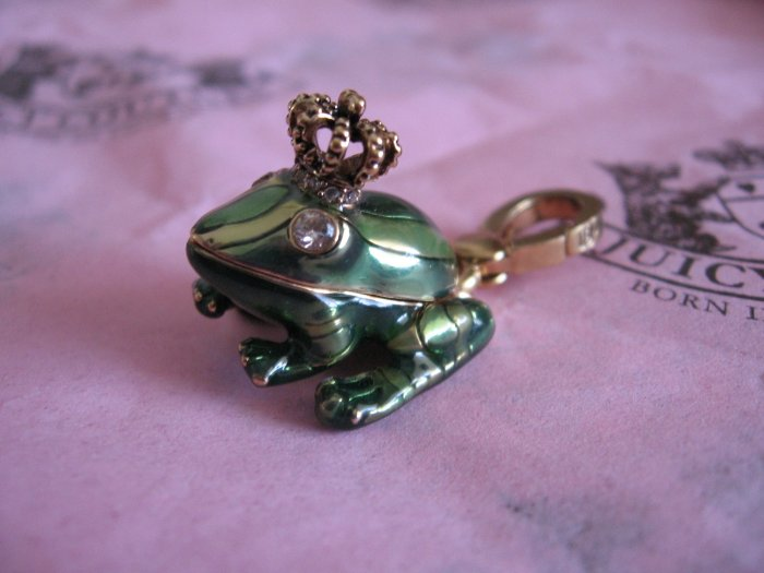 JUICY COUTURE PRINCE CHARMING CROWN FROG CHARM RETIRED