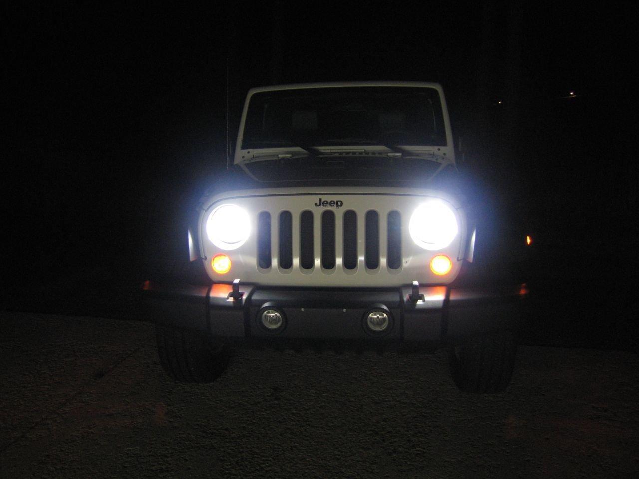 Jeep Wrangler JK Bright White Light Bulbs for Head Lamps