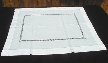 Vintage Drawnwork Linen Tea Tablecloth 34 X 28
