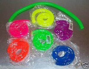 2 GLOWING  STRING toys kids party favors prizes games