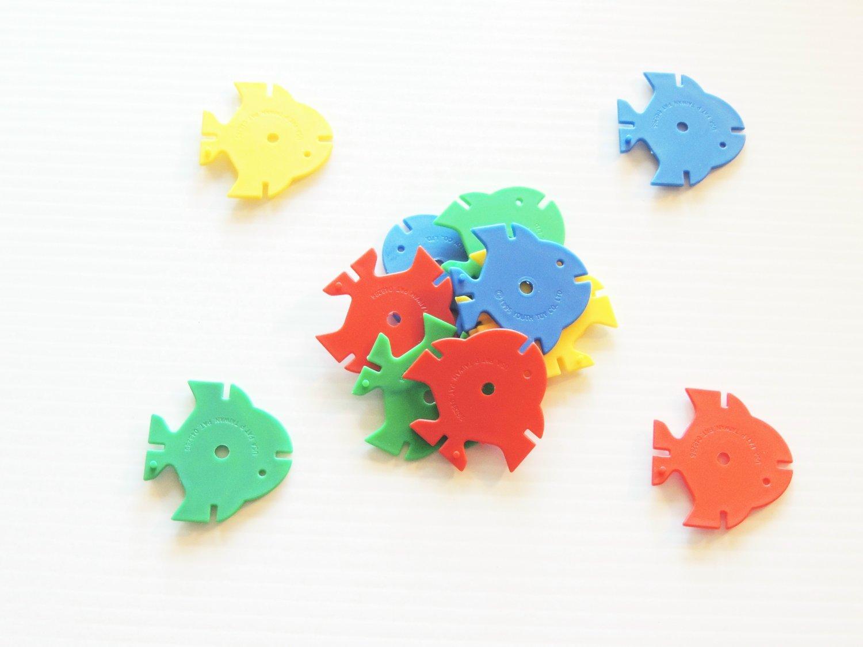 12 Mediun Drilled Fish bird toy parts parrots cage kids
