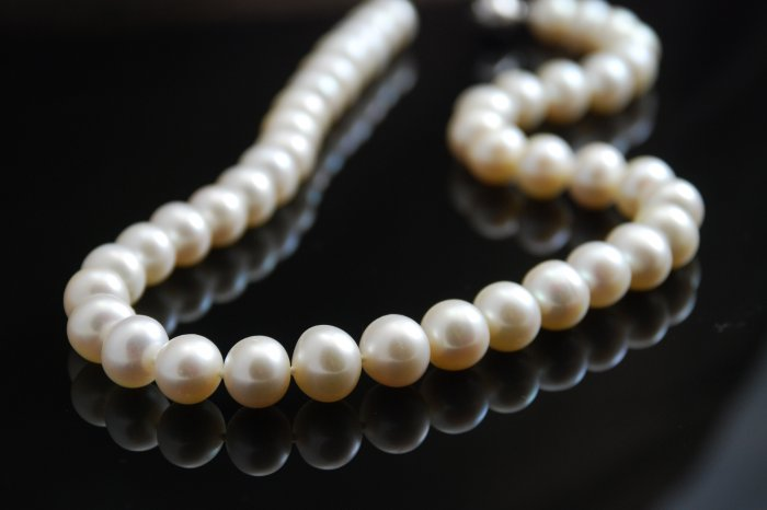 Mia Pezzi White Freshwater Pearl Pearls 10-11mm Necklace
