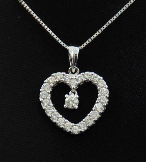 Diamond in Heart Diamond Pendant 18K Necklace