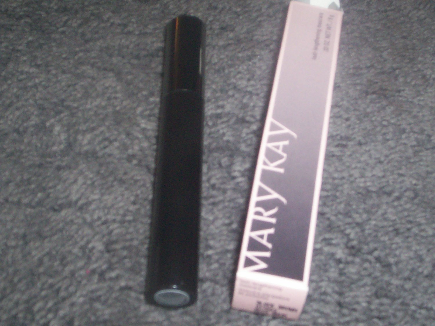 Mary Kay Lash Lengthening Mascara Black  NIB