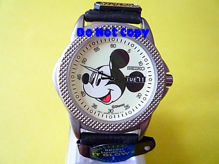NEW Mens Disney Mickey Mouse Glows Seiko Date/Day Watch