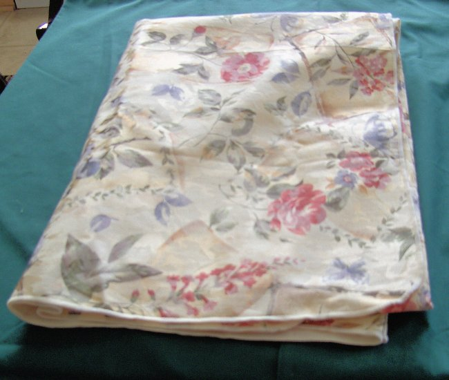 Colorful Damask Tablecloth:  Ecru with Blue &Rose Flowers