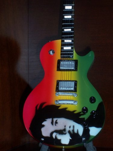 BOB MARLEY Mini Guitar 'PORTRAIT' Memorabilia Collectible Gift