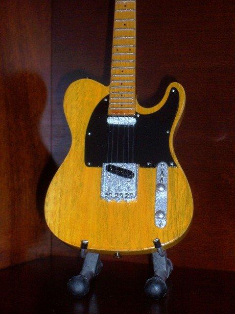 BRUCE SPRINGSTEEN Mini Guitar NATURAL WOOD TELE Memorabilia Collectible Gift