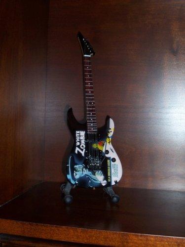 METALLICA KIRK HAMMETT Mini Guitar WHITE ZOMBIE Collectible Gift