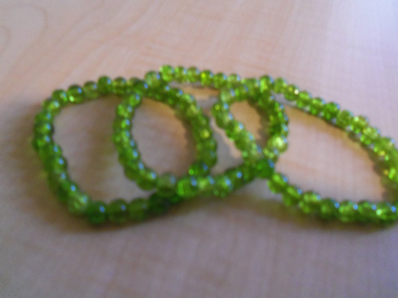 Dark Green Cracked Glass Bead Bracelets