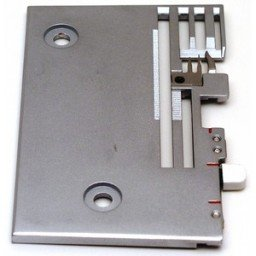 Bernina 2000 DCE Needle plate