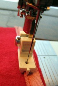 BERNINA Invisible/Consealed Zipper Foot  Old Style