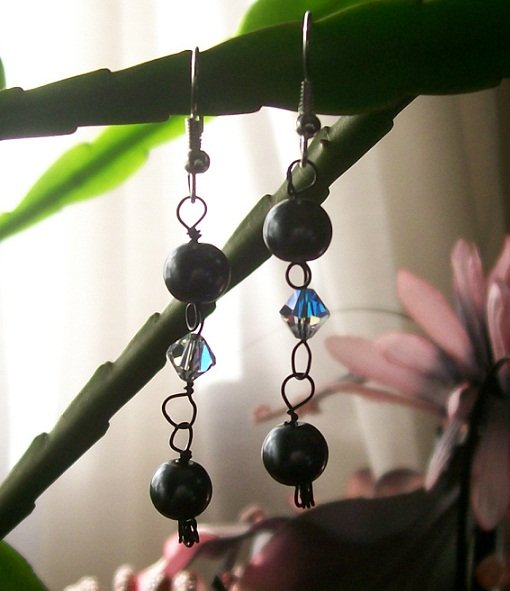 Black Pearl Beads with Swarovski Crystals Earrings