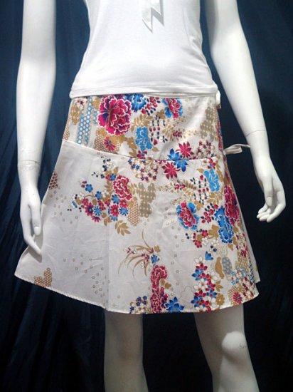 White Vintage Style Japanese Floral Cotton Short Wraparound Skirt