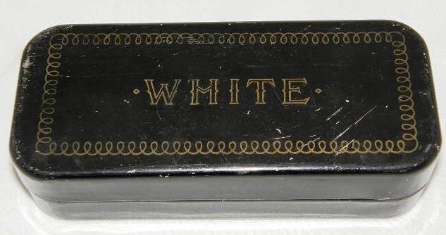 Vintage Greist Sewing Machine Attachments Hemmer Binder Attachment Black Metal Box 5 pieces #109