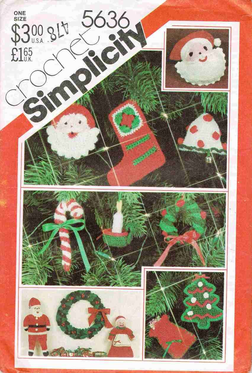 1980's Simplicity Craft Pattern 5636 Crochet Christmas Ornaments Santa Dolls Doll Pillow Wreath