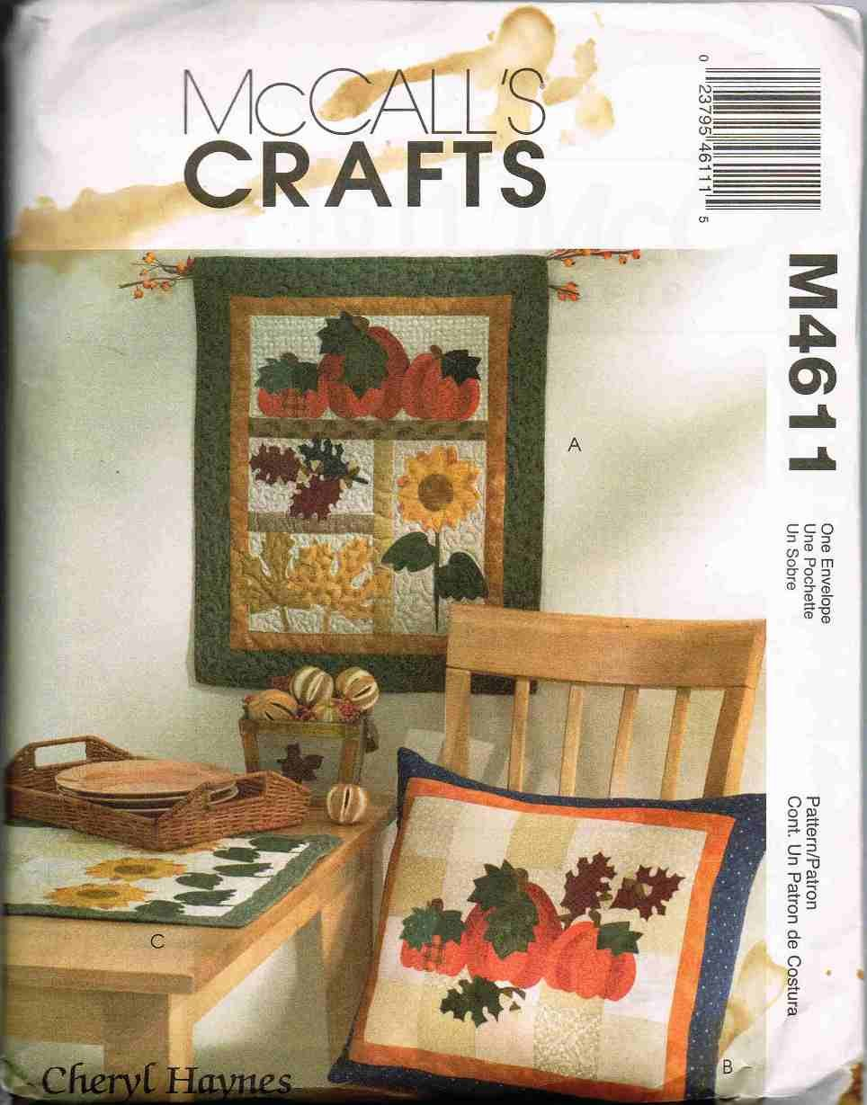 McCalls Craft Sewing Pattern M4611 Quilted Applique Wall Hanging Pillow Table Runner UNCUT