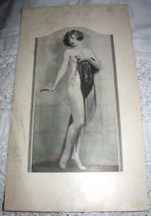 Shapely Nude Art Deco Vixen with lovely shawl