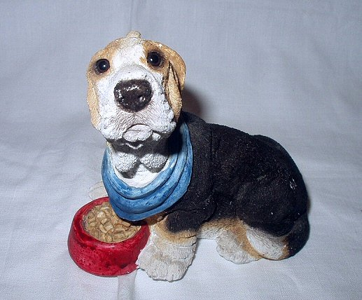 Sweet Beagle Dog Figurine